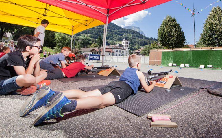 Une opportunité unique de vous initier au biathlon comme à la télé et comme martin Fourcade sur le lieu de vos vacances estivales ou aux sports d'hiver. Du biathlon toute l'année partout en France.