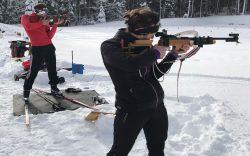 Réalisez votre rêve de faire du biathlon comme les champions avec de vraies carabines de biathlon 22LR sur un stand de biathlon officiel à 50m. Week-end et stage de biathlon accessibles à tous pour imiter les pros