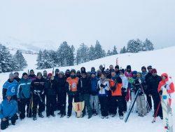 Un séminaire de biathlon lors d'une sortie d'entreprise pour un team building original et ludique. Sport et entreprise. Sur les traces de martin Fourcade