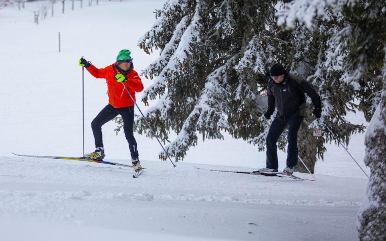 des stages de ski nordique sur mesure et des initiation au biathlon en petit comité et privatisées